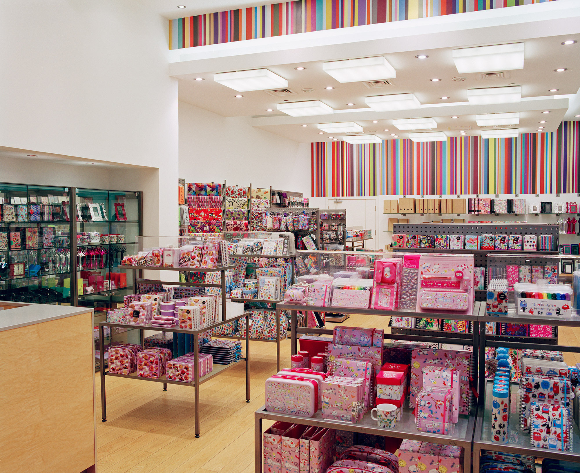 Dubai Paperchase interior